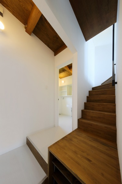 room6 階段